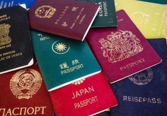 paszporty-z-roznych-panstw-swiata_1078072